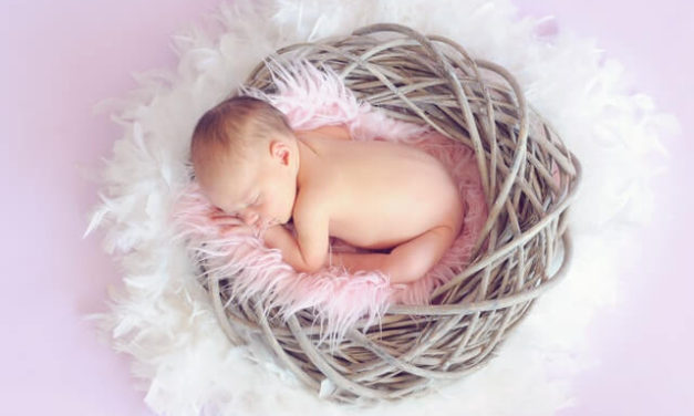 Co-Sleeping Vs Crib Sleeping: Which One is the Best for Your Baby?