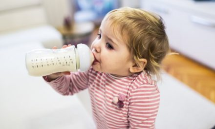 Should a 2 years old have milk before bed?
