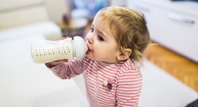 Should a 2 year old have milk before bed?