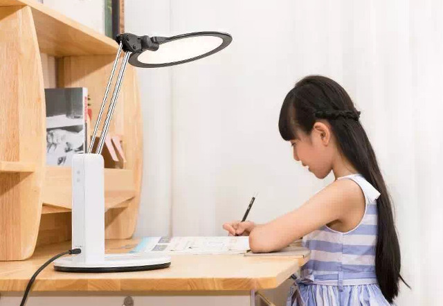 Does an Eye Protection LED Lamp Really Protect your Kid's Eyes